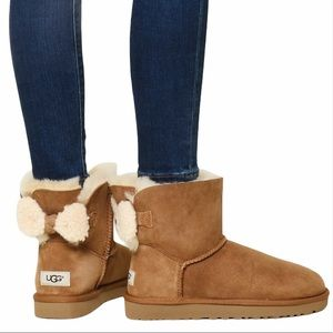 Ugg Arielle Back Bow Boots In Chestnut